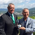 Actor George Takei meets Roanoke Mayor David Bowers beneath the Mill Mountain Star https://t.co/SAmMbhNnmL