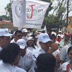 Acompañando a @alejandromurat @JAHFraguas y @LauraVignonC en recorrido en INFONAVIT #Oaxaca #EsTiempoDeCrecerJuntos https://t.co/ZgLd1Tmei8