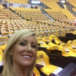 Guess I shouldve worn gold! Lol #ALLin216 #CavsHawks @cleveland19news https://t.co/ujJwLjenRp