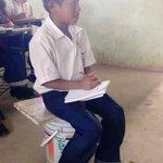 Mientras Varela dona al colegio Javier con fondos del estado los desposeídos del pueblo reciben clase así. https://t.co/ekEn7S0x1I