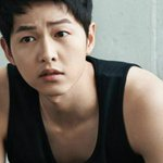 Song Joong Ki goes for sexy casual in Top Ten clothes https://t.co/UakzskzTVW https://t.co/gFyKrysEFR