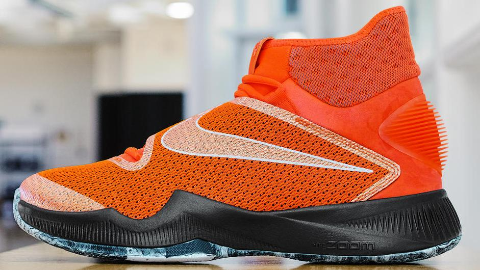 Nike releases a Skylar Diggins @SkyDigg4 player exclusive. Gallery: https://t.co/ZbcTa6HR0E #wnba https://t.co/rJIJow9lwW