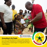 Flowers to man who is #ChangingLives of Ghanaians by #TransformingGhana projects like Cape Coast stadium! @JDMahama https://t.co/iAEsO62CtI