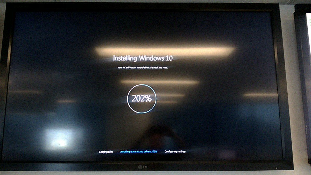 This install of Windows 10 must be going really well.... https://t.co/D9ZNIcC2p2