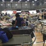 #FortMcMurray - Le dernier bilan des autorités parle de 80 000 évacués. Pour les détails: https://t.co/q16JD7GUaX https://t.co/la1g9T2b3P