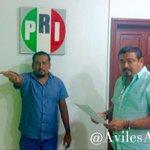 Tomo protesta a Víctor Cruz González como coordinador de campaña de @alejandromurat en Santa María Tonameca. https://t.co/fOalpGB63R