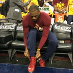 LeBron laces them up for Game 2. Tip is now on TNT. https://t.co/iB8Xks7Thi