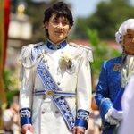 姫を見つめ…待つ王子…(๑✧◡✧๑) 優しいお顔ですね???? #西又葵・三宅淳一結婚式 https://t.co/yF4Cfu9pGU