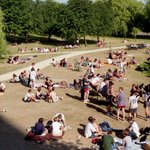 Aston students chilling by the lake in the 90s, weve got the perfect weather to do the same today! #tbt #brum https://t.co/svwtaqhAUK