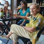 Aos 79 anos, matriarca diz que cerveja é o melhor presente no Dia das Mães https://t.co/cSNNtK5KL2 #G1 https://t.co/4JJtqH69aP
