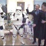 「スター・ウォーズの日」にオバマ大統領夫妻がノリノリでダンス R2-D2たちとの動画をフェイスブックで公開 https://t.co/vLjJv4SMPo https://t.co/qBIAgZHQ3s