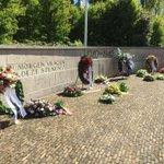 Het monument aan de #Julianalaan in #Zoetermeer. #TheDayAfter https://t.co/RRDlpa2mNB