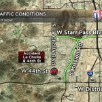 #ACCIDENT: Another hit and run, this one at La Cholla/44th St. Try Mission/Starr Pass to avoid this. #Tucson https://t.co/cFF8SrWWns