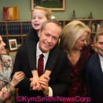 Opposition Leader Bill Shorten with his family before his Budget Reply Speech #auspol https://t.co/ptBYCsvQUv