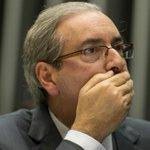 Direto de Brasília: Nosso correspondente @brenofloresta comenta decisão de suspensão do mandato de Eduardo Cunha https://t.co/OE4skLhQex