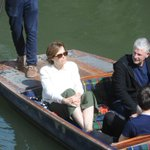 Alien star Sigourney Weaver was spotted enjoying a punt tour on the Backs this morning: https://t.co/7PZFMeIQgi https://t.co/sRQi1qdcRZ