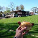 Auch am Herrentag gibt es Fußball und Wurst. Neuenkirchen vs. Siegen, Oberliga Westfalen #herrenundwurst https://t.co/00i52OSQgs