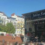 #Hafengeburtstag #JollyRoger Bühne. #FCSP, Punk, Bier & Sonne. Paßt hier. https://t.co/yRPXIldorN
