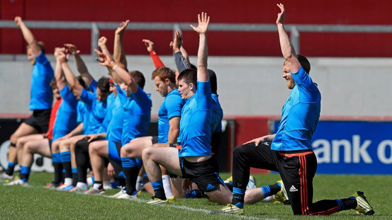 COMPETITION: Hands up if you think @MunsterRugby will beat Scarlets on Saturday. RT to win tickets #MunsterSupport https://t.co/gFpMNh6YMt