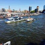 #Elbphilharmonie voraus! #Hamburg #Hafengeburtstag https://t.co/nPFWarwCo4