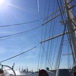 827. Hafengeburtstag ist eröffnet. #Hamburg pur bei Traumwetter. https://t.co/fDAPayg06F