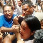 .@KeikoFujimori se reunió con un ex preso por extorsión Augusto Ramos Dolmos #Voto2016 ► https://t.co/ch4NPYGptV https://t.co/P9gvYRmCTf