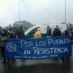 #valdiviacl Ahora: Manifestación de estudiantes se toman puente pedro de Valdivia @biobio https://t.co/CUNk2zARqX