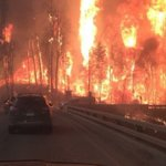 Guilt and helplessness, watching the city I left behind burn: https://t.co/LvyzNsgAqn via @kristynease #FortMacFire https://t.co/r1uf7Vw59N