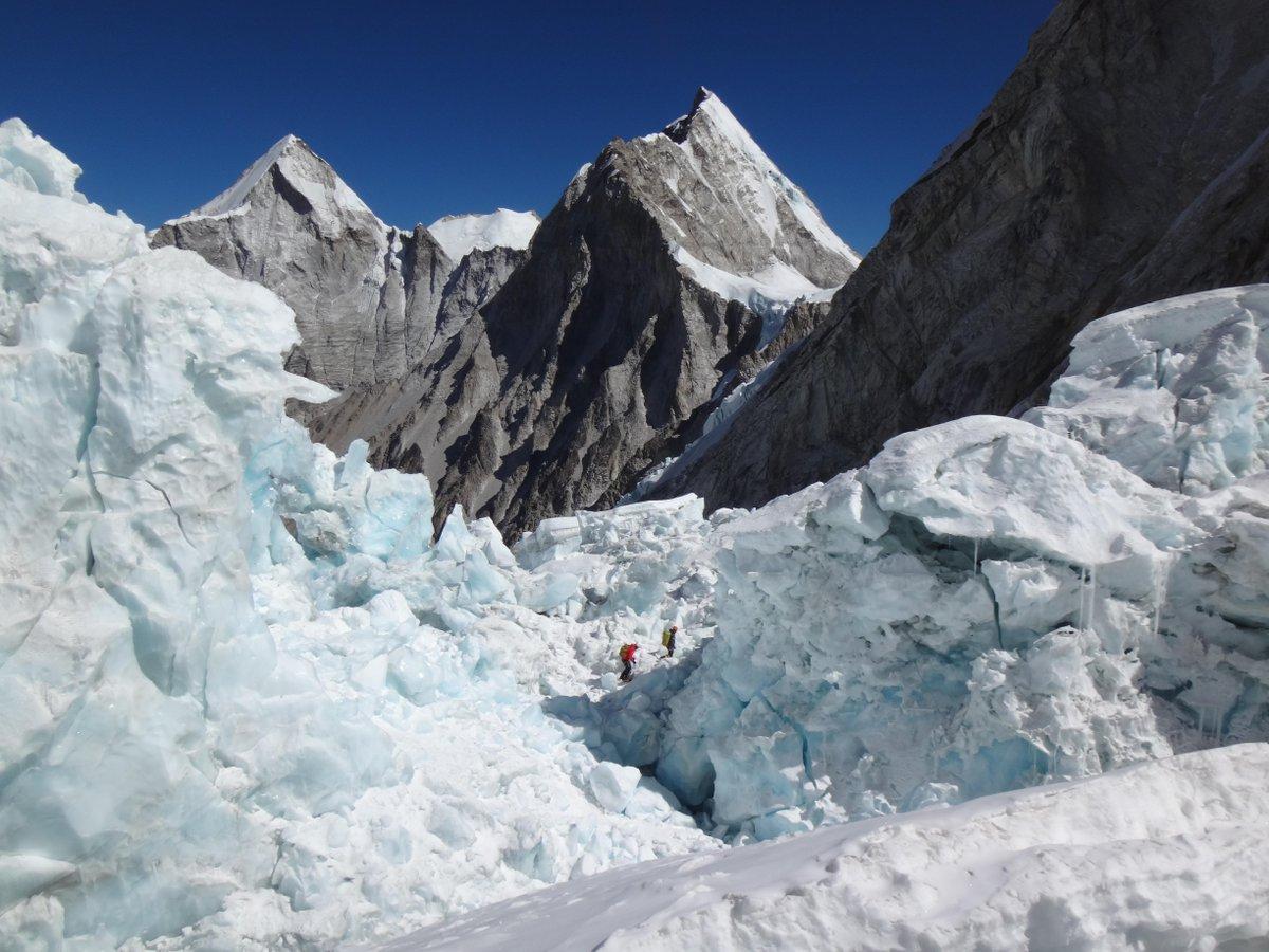Richard Parks forced to end expedition on #Everest https://t.co/tK8ZCgP0eG https://t.co/J82DAp97u9