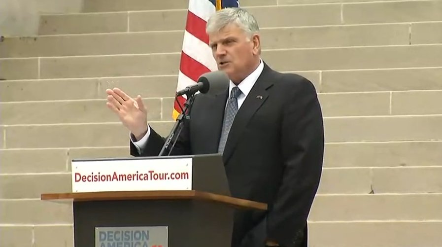 .@Franklin_Graham says its important for voters to study the issues, study the candidates and go vote #EyewitnessWV https://t.co/WW5ZXJw0M1
