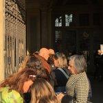 #opening in corso. Un vero e proprio assalto ai gioielli di #AdaMinola. Siete tantissimi! :) #GioielliVertiginosi https://t.co/fCt3FB9bej