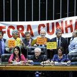 Após afastamento de Cunha, vários deputados questionam impeachment de Dilma https://t.co/bbeW5eF2WW https://t.co/ePgeztMjsU