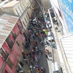 #ÚLTIMO Marcha de discapacitados llega a calle Ballivián esq. Colón. Fuerte resguardo policial en ingreso a Km 0. https://t.co/8rEgua5CNU