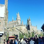 HOGWARTS @unistudios #wizardingworldhollywood https://t.co/m7J29dvVwP