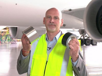 RT @nzheraldbiz: .@FlyAirNZ Watch: It's Speed Tape (not duct tape) holding planes together