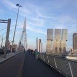 Wat #rotterdam kan moet toch ook in #amsterdam kunnen? @BrugovertIJ https://t.co/GiF81vLCjo
