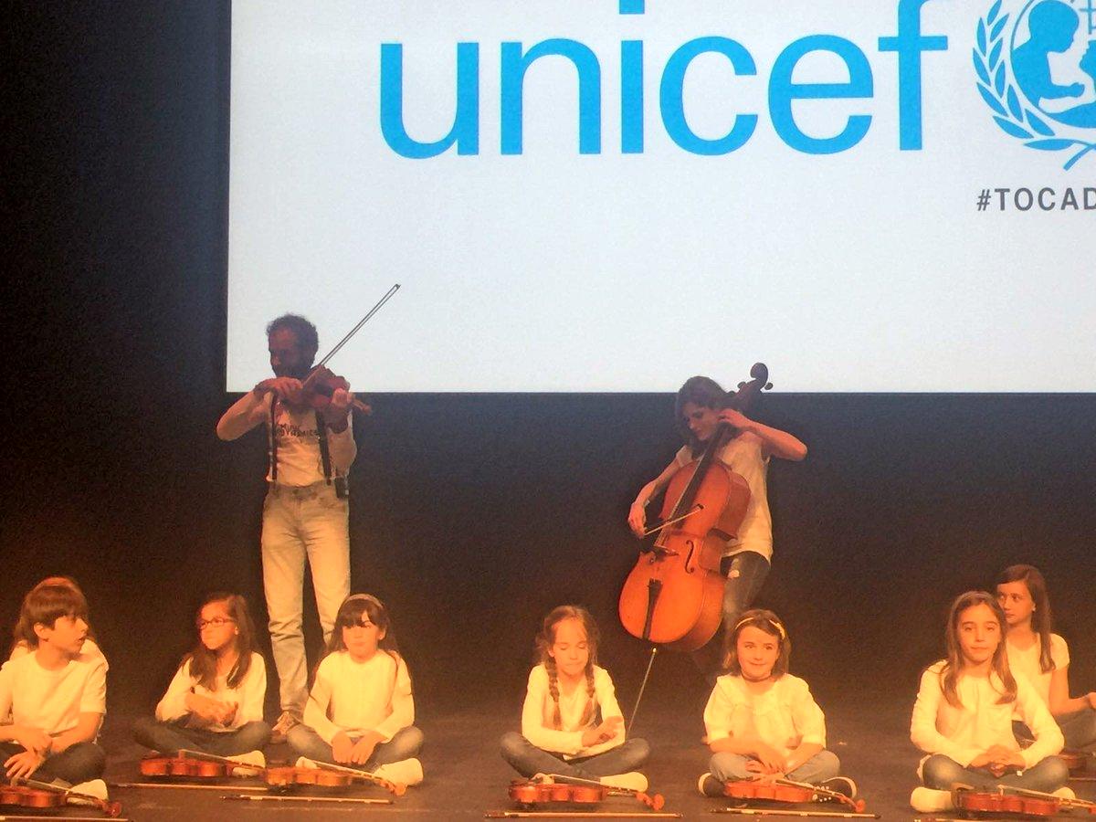 En el @FestivalTocados, apoyando a jóvenes que quieren transformar el mundo.  #TocadosXVII con @unicef_es https://t.co/CFyMwL7kNS