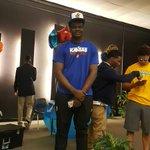 Udoka Azubuike (@TimUdoka) has signed with Kansas. #kubball https://t.co/92J280g0cs