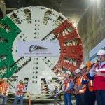 Observar la dimensión del túnel donde se llevan a cabo los trabajos de la #Línea3 es impresionante. https://t.co/Gf7EZINivO