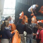 Una red de voluntarios en el tema de donaciones se armó en #Quito » https://t.co/Ss0mCwTmzq https://t.co/0pB1ArNWMY