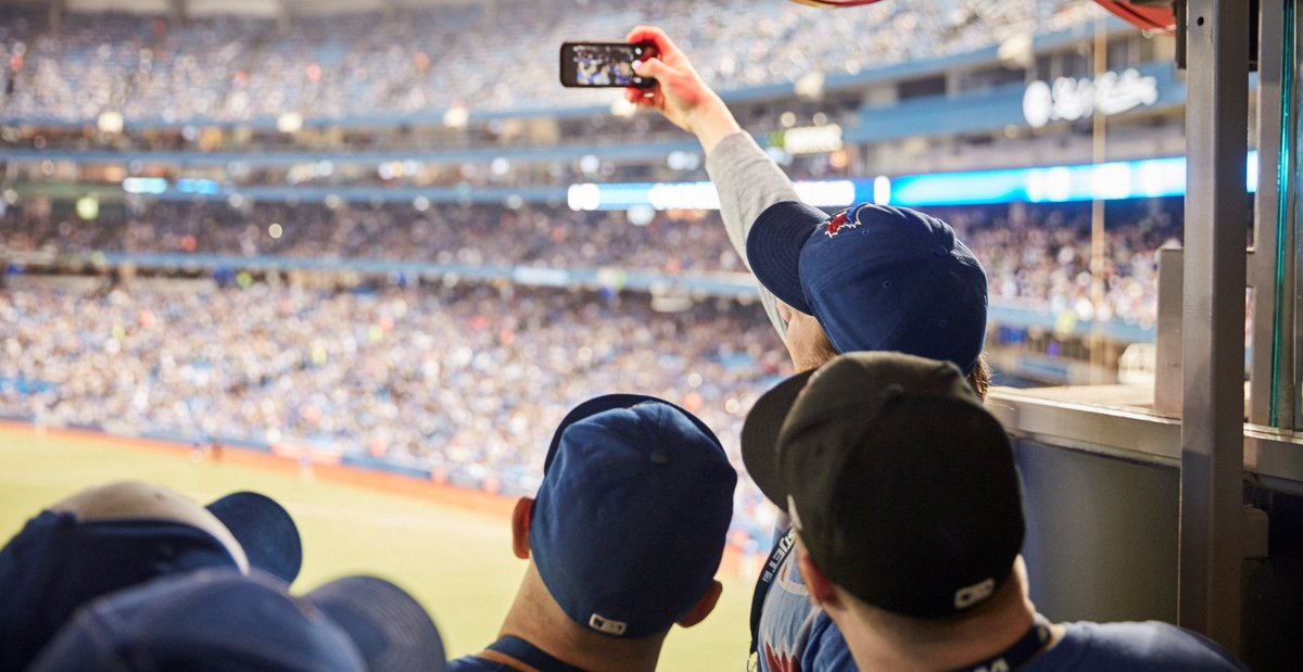 Who's joining us in the WestJetFlightDeck for tonight's @BlueJays game?
