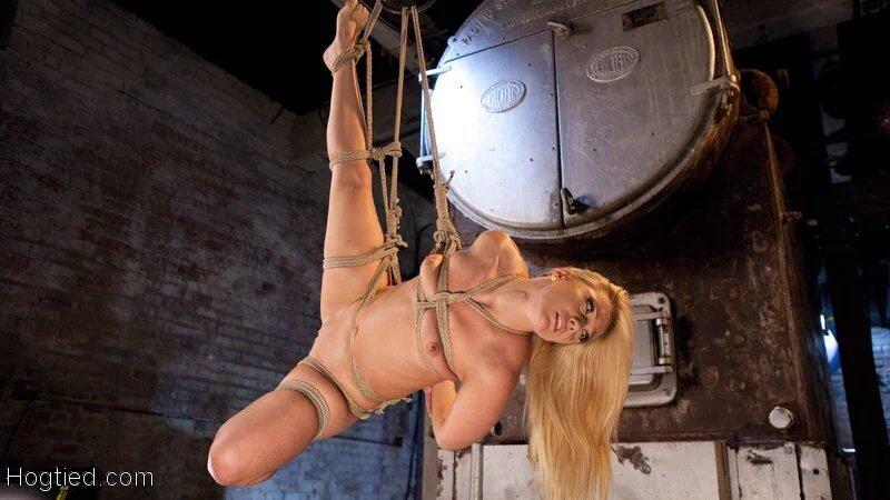New scene w/ ! Fucking amazing!! IffX8dPnPF #bondage #BDSM