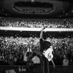 #ShawnWorldTourLondon night 1 thank you !! ❤️❤️❤️ https://t.co/53bFetdq3i https://t.co/ifkAyPgYT2