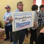 Meanwhile in #Morgantown #FeelTheBern republicans for @BernieSanders https://t.co/aijGVaMVGi