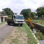 Se continúa trabajos de limpieza de canales de Juan Díaz, por parte del @MIVIOT tratando de evitar inundaciones👍🏼 https://t.co/vHQw0ejSMw
