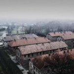 Video: drone sobrevoló el campo Auschwitz en honor a víctimas del Holocausto ► https://t.co/kOKj579s8e https://t.co/resHYRKKaD