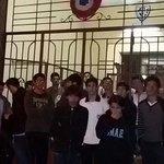 Estudiantes tomaron el Colegio Asunción Escalada y piden diálogo con el Pdte Cartes. #TomaColegios Vía @Wilcardozo https://t.co/DVUQFsUb4N