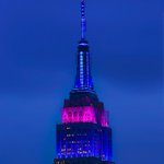 Empire State Bldg aglow to honor Police Memorial Week by @isardasorensen #newyork #NYC https://t.co/hcjQholmWB