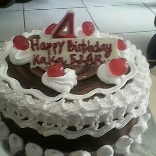 Happy Birthday kaka azhar semoga jadi anak berbakti kepada orang tua pinter sekolah ya panjang umur ya