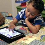 Investigadores advierten de mal hábito de calmar a los niños con el celular o tablet https://t.co/v6tLnObD1i https://t.co/ce7WUzuyFL